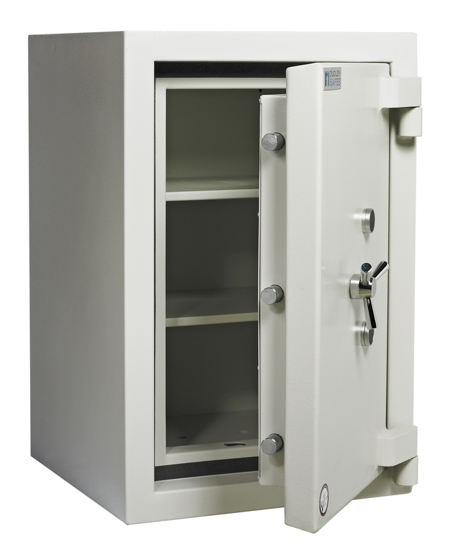 Dudley Safes Europa Grade 5 - Size 2